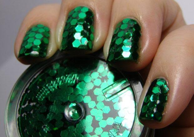 дизайн ногтей на новый год зеленый камифубуки