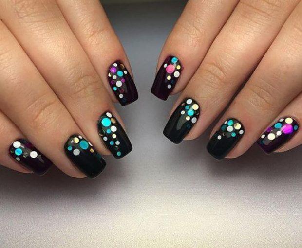 черные ногти комифубики