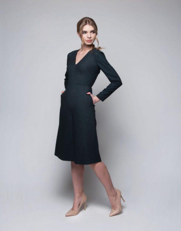 офисное платье 2019-2020: черное а-силуэт