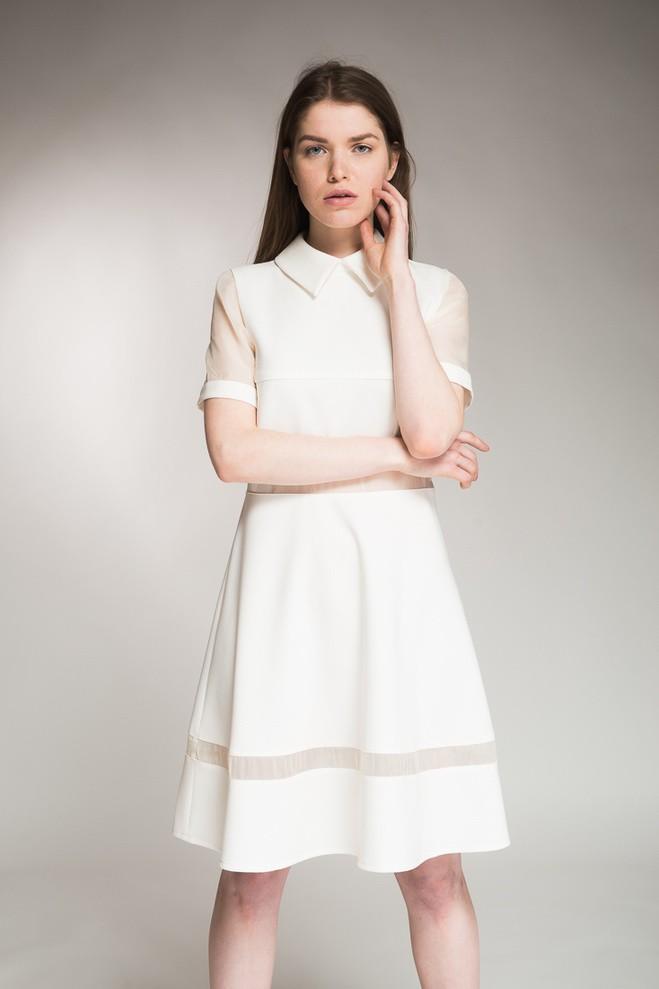 офисное платье белое а-силует рукав короткий