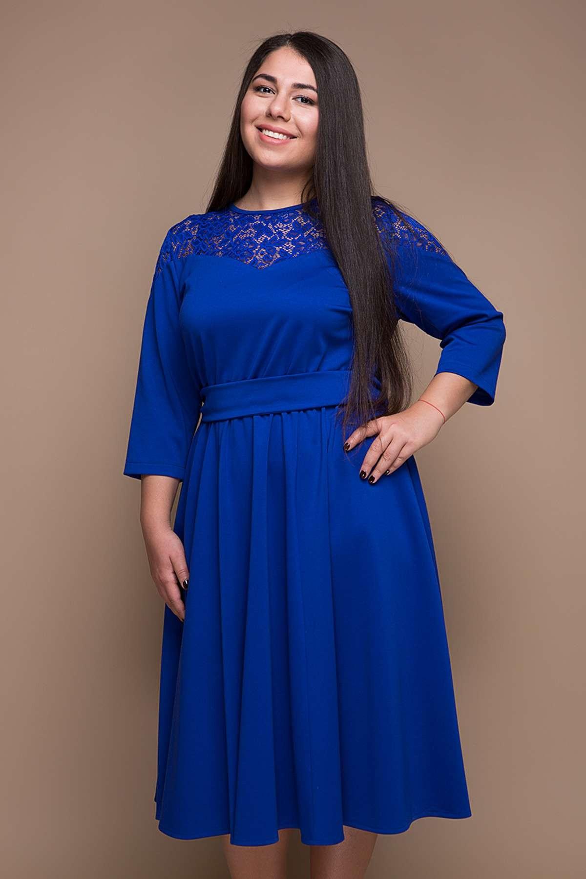 офисное платье синее рукав 3/4 с гипюровой вставкой