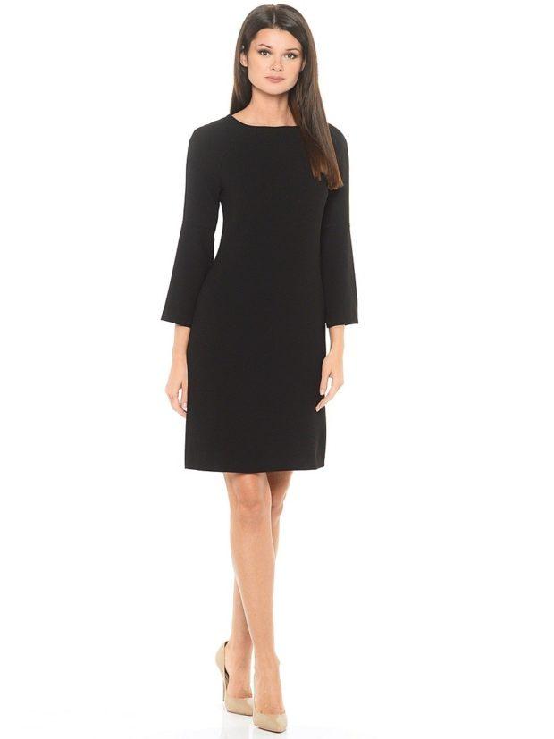 офисное платье а-силуэт черное рукав колокол