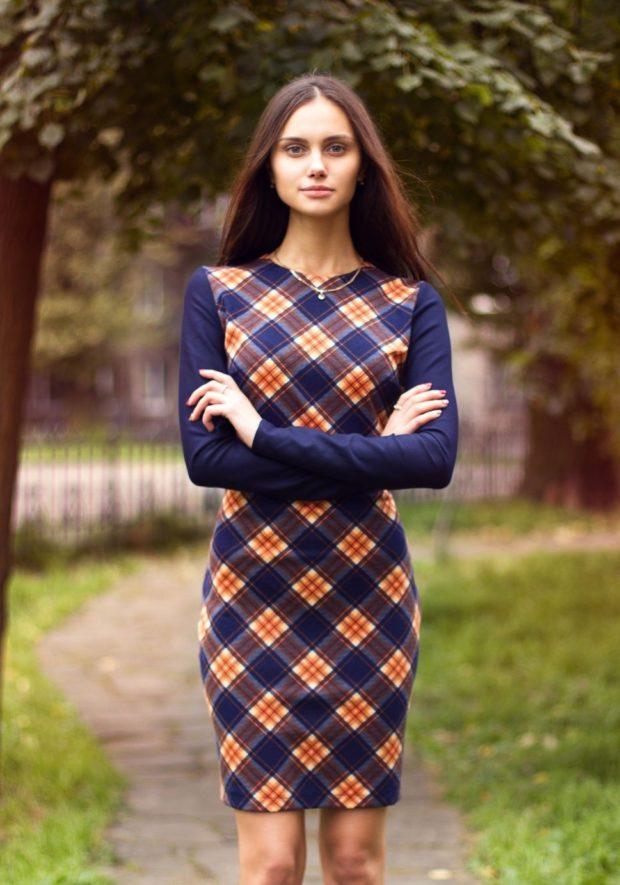 теплое офисное платье рукав длинный в клетку