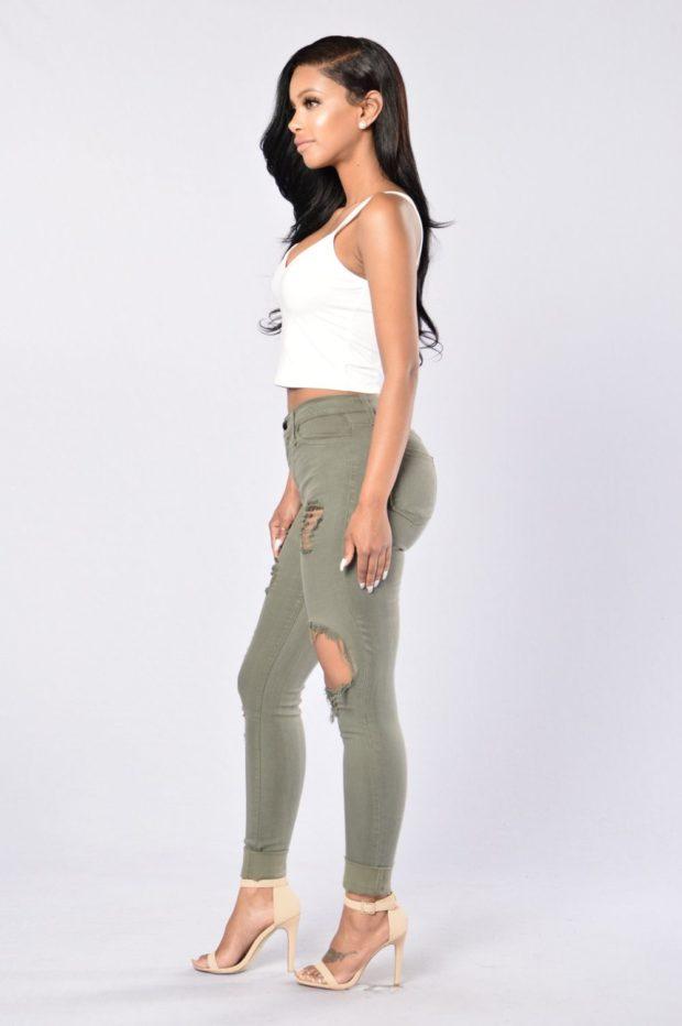 с чем носить оливковые джинсы
