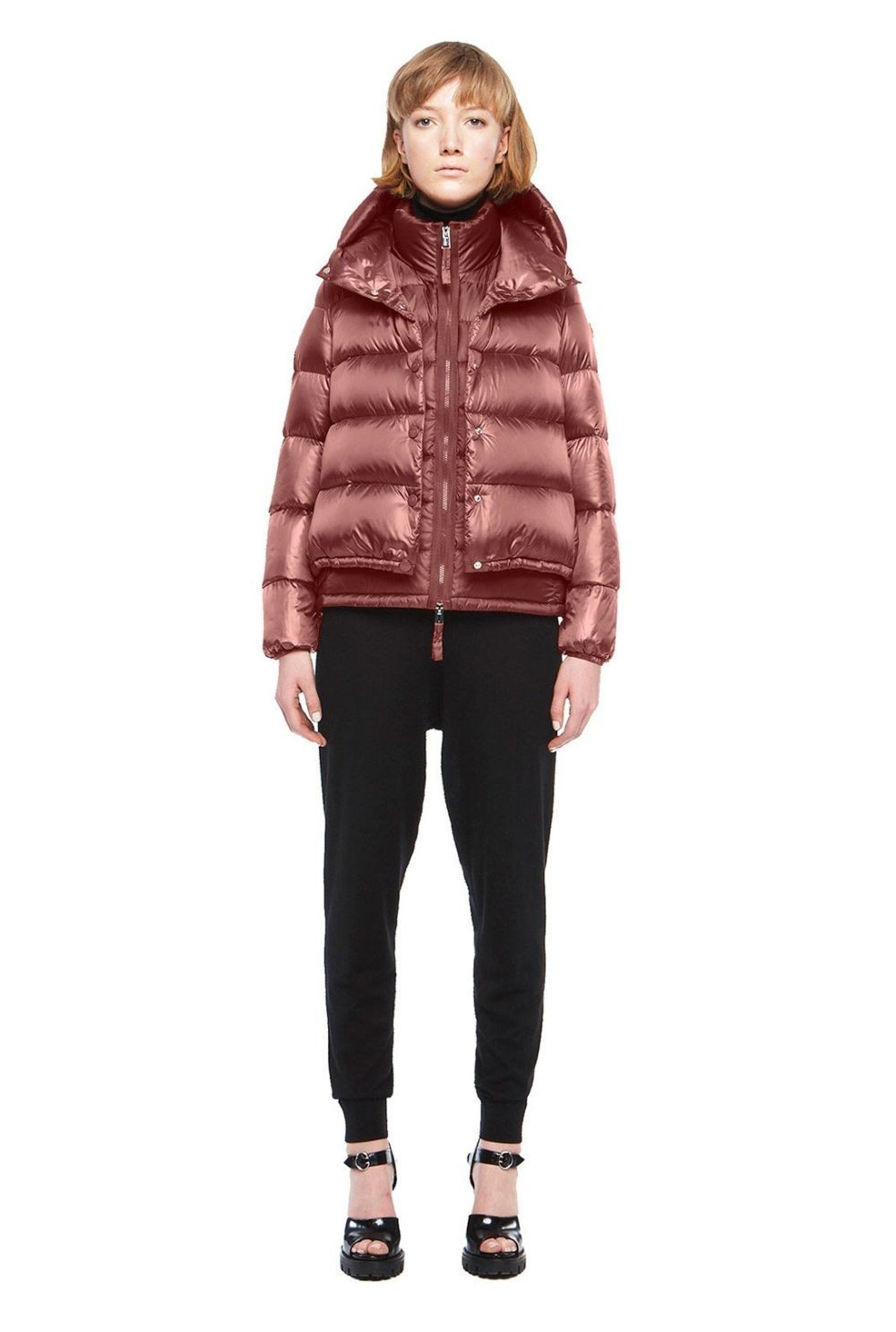 куртка коричневая короткая стеганая