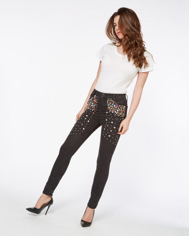 джинсы со стразами с чем носить