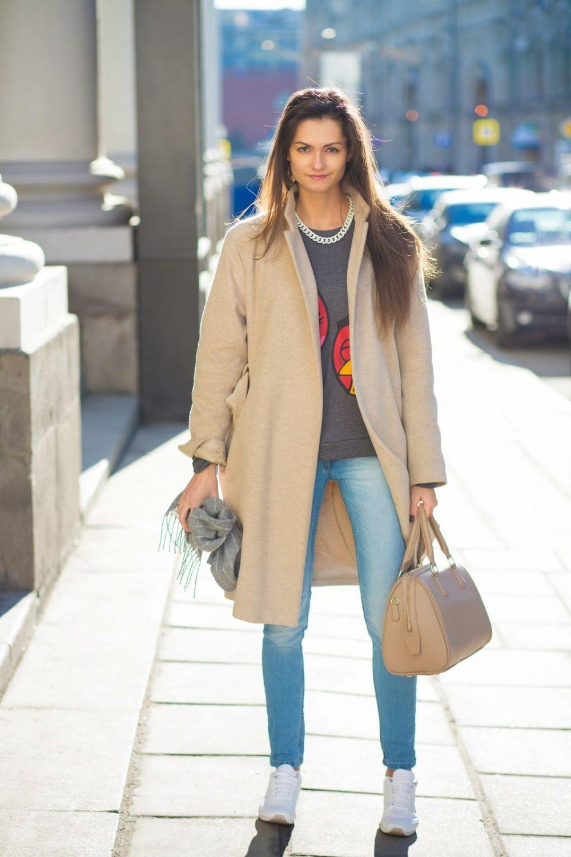 джинсы под пальто коричневое без застежки