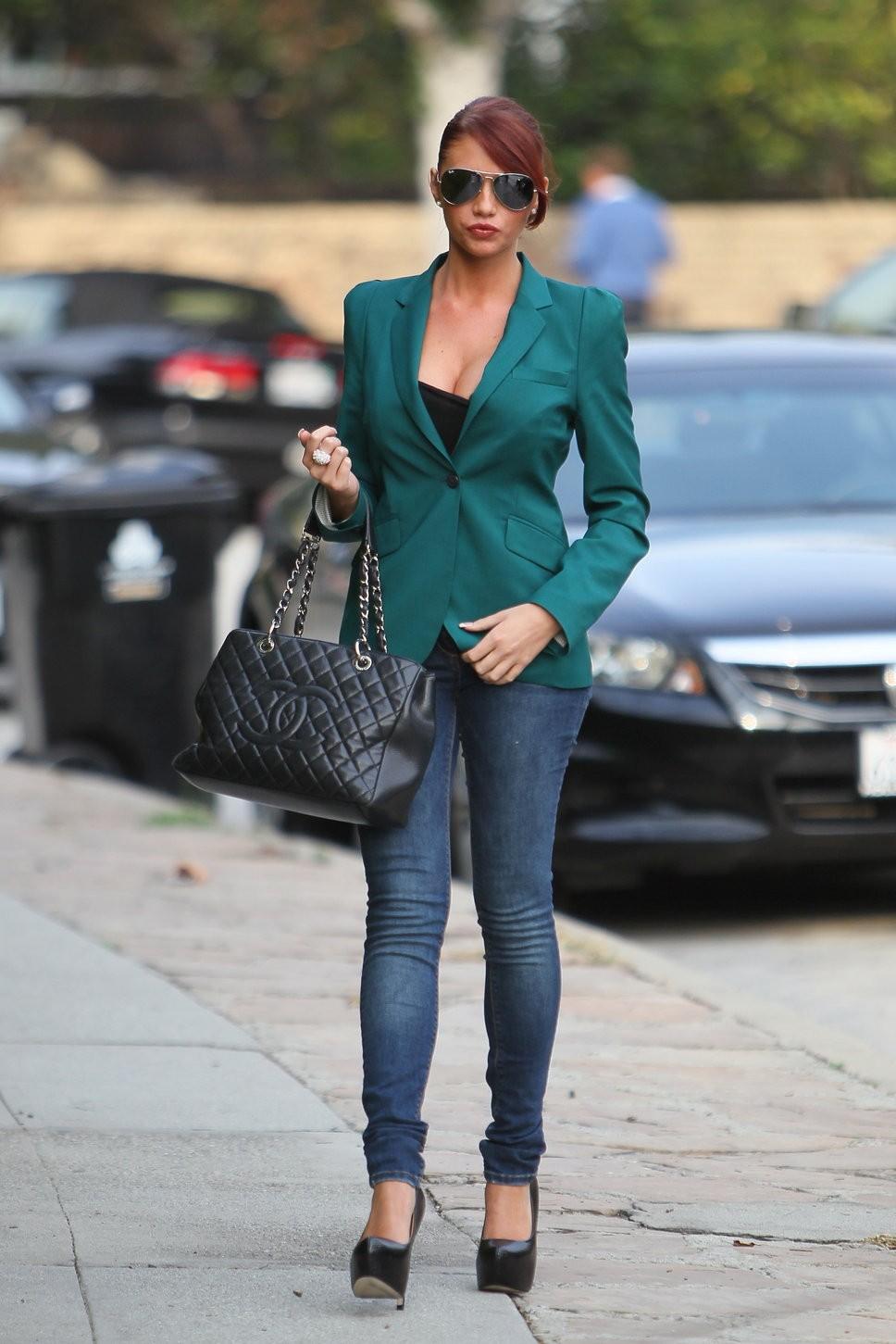 джинсы под пиджак зеленый