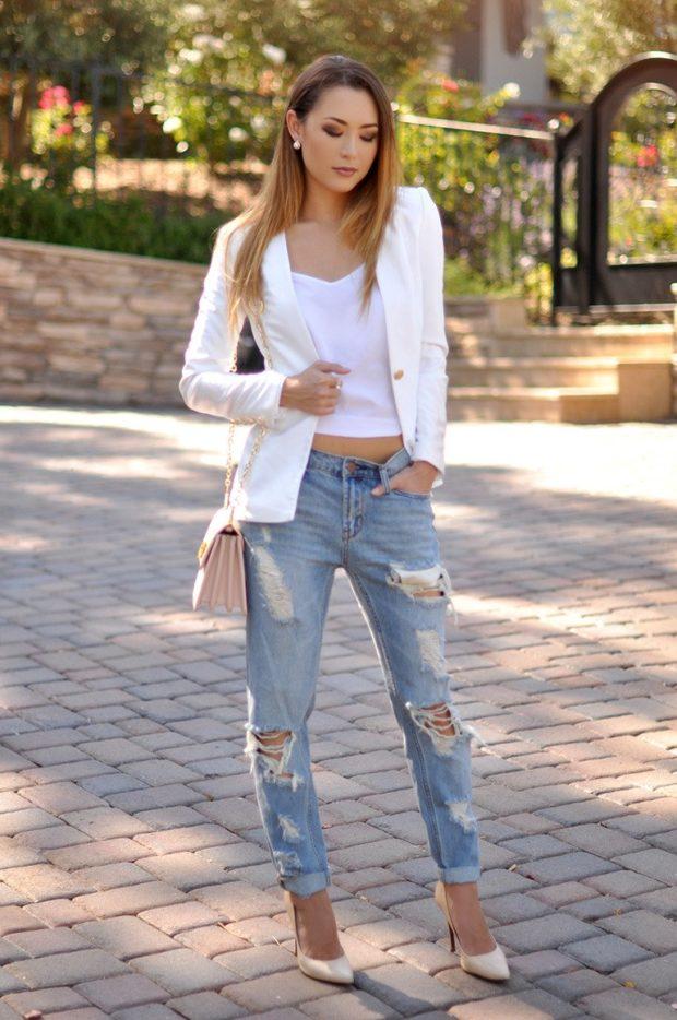 с чем носить джинсы под белый пиджак