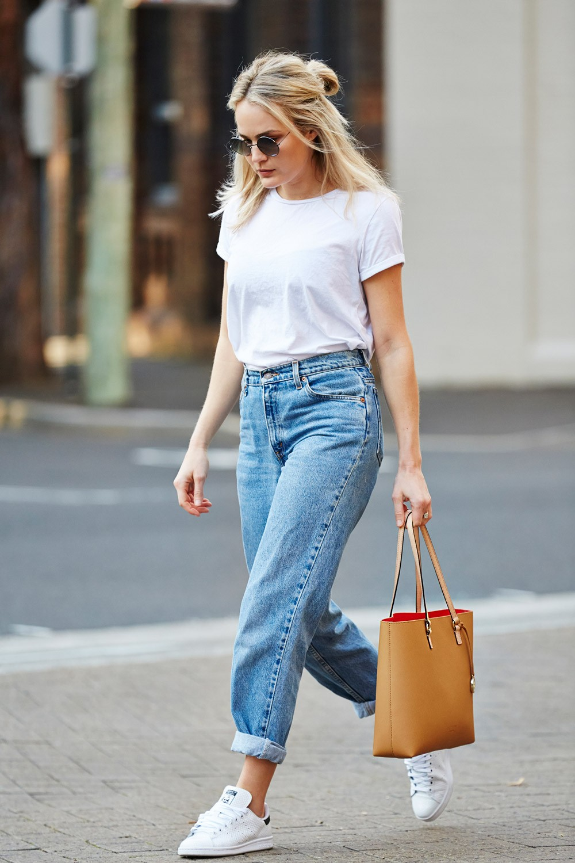 джинсы под футболку белую простую