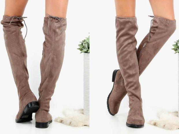 сапоги-чулки без каблука коричневые под юбку