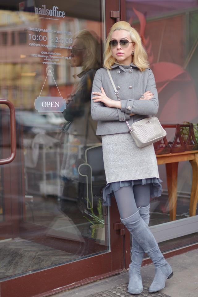 сапоги серые без каблука под платье в тон и пальто короткое