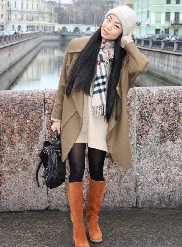 сапоги коричневые под пальто оверсайз