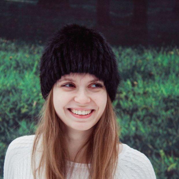 шапка черная меховая в обтяжку осень зима 2019 2020