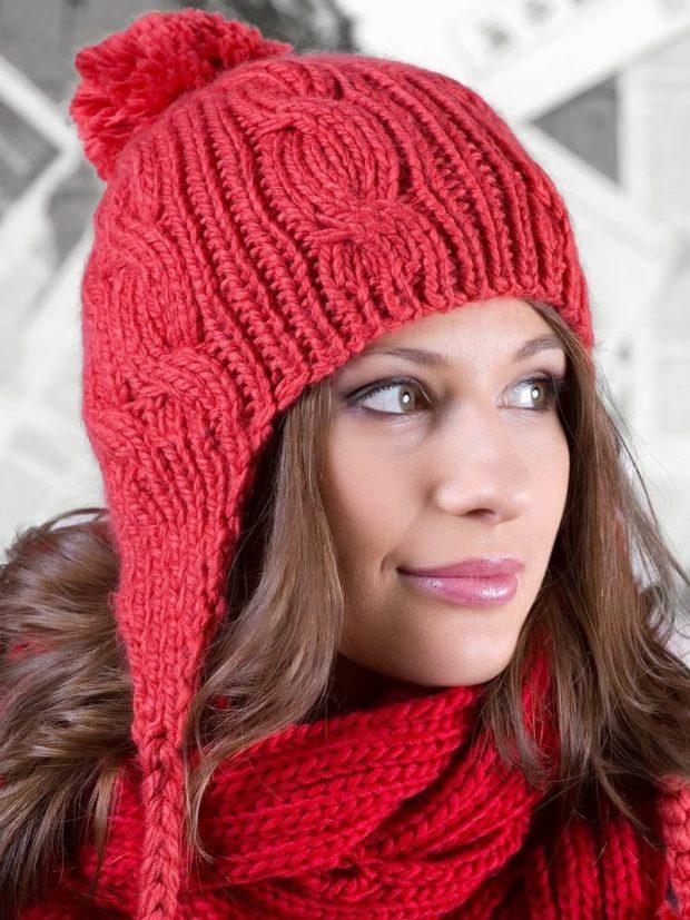 шапка вязанная вязаная красная с бубоном