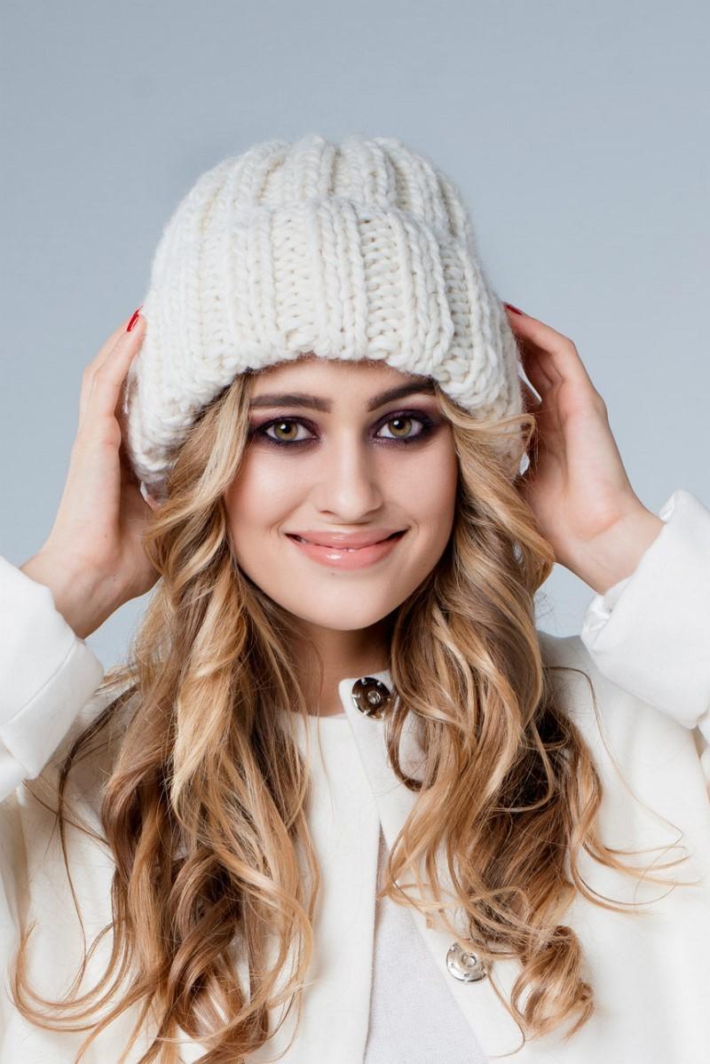 шапка вязанная белая крупная вязка