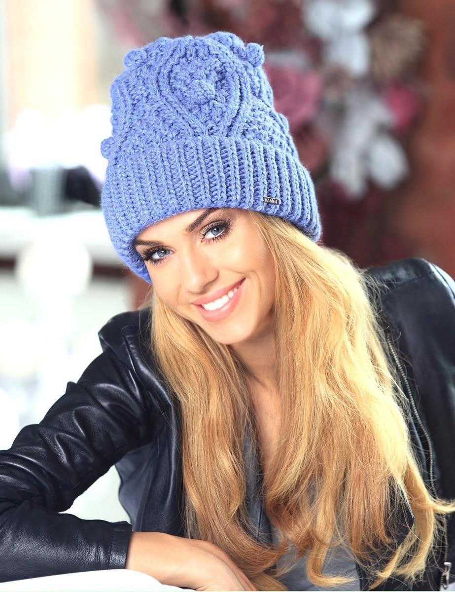 шапка с отворотом синяя вязанная