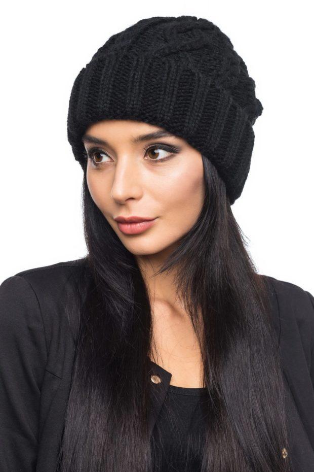 шапка вязаная с отворотом черная