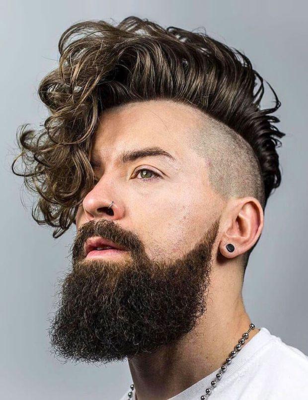 мужская стрижка 2018: длинная волосы на пробор залысина под волосами слева