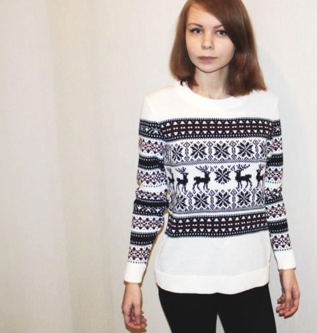 свитер с оленями черный с белым