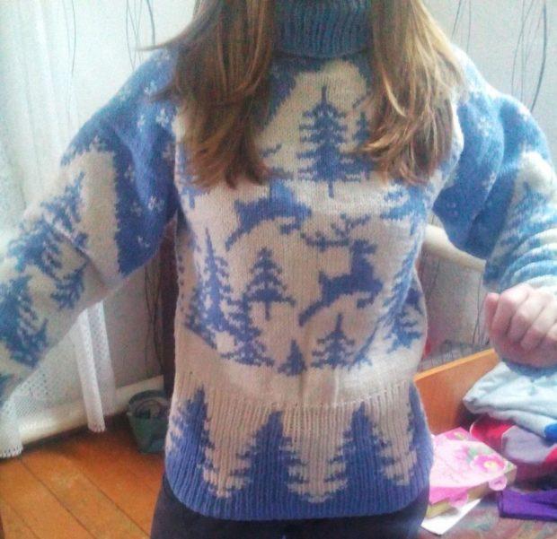свитер новогодний синий с белым