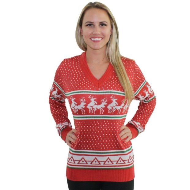 красно-белый свитер с белыми оленями