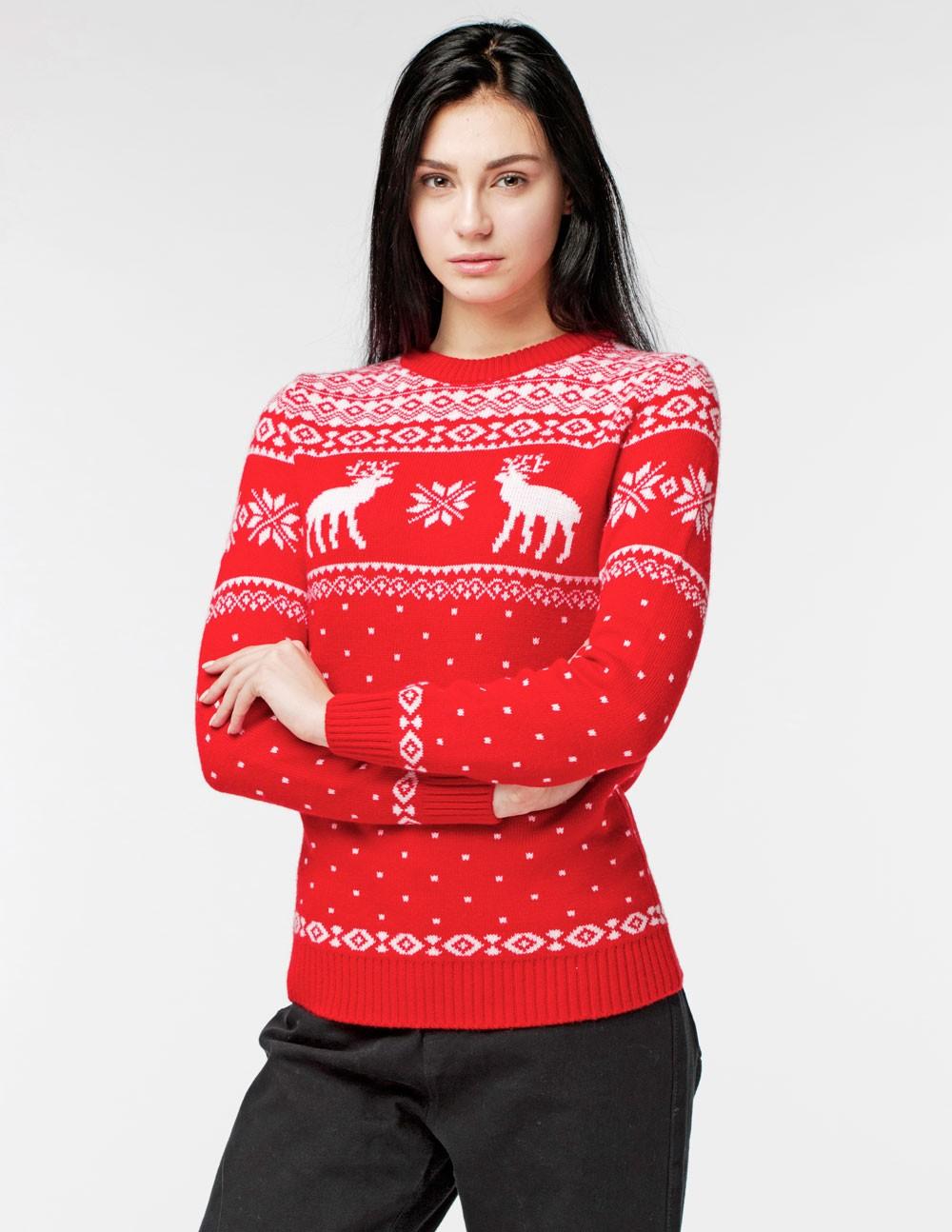 красно-белый свитер с оленями удлиненный