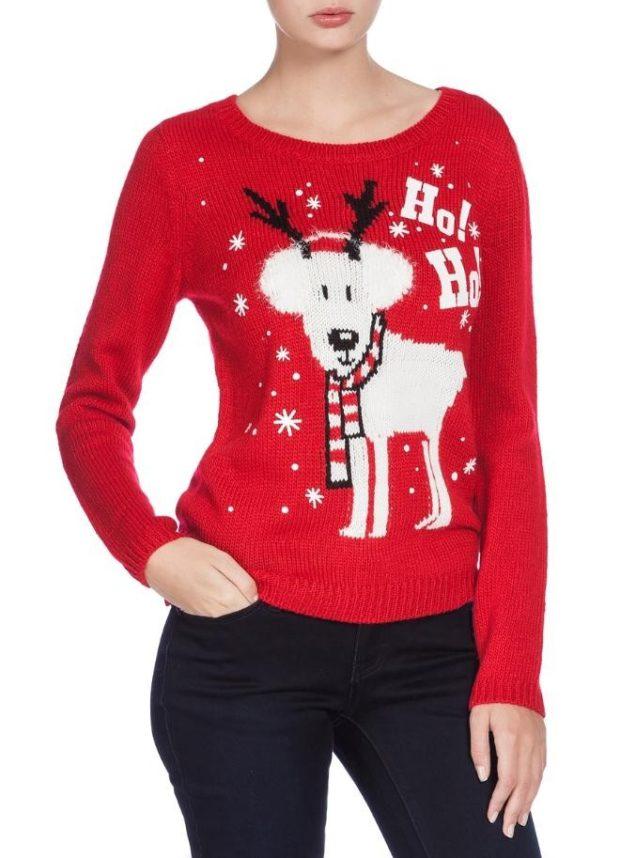 красно-белый свитер с оленем смешным