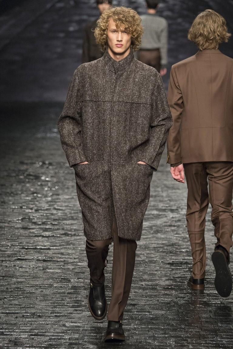 мужская мода 2018 осень зима: пальто серое