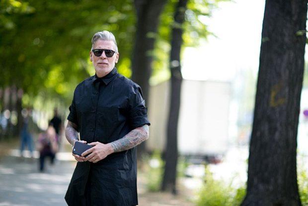 тенденции мужской моды осень-зима: рубашка черная кожаная