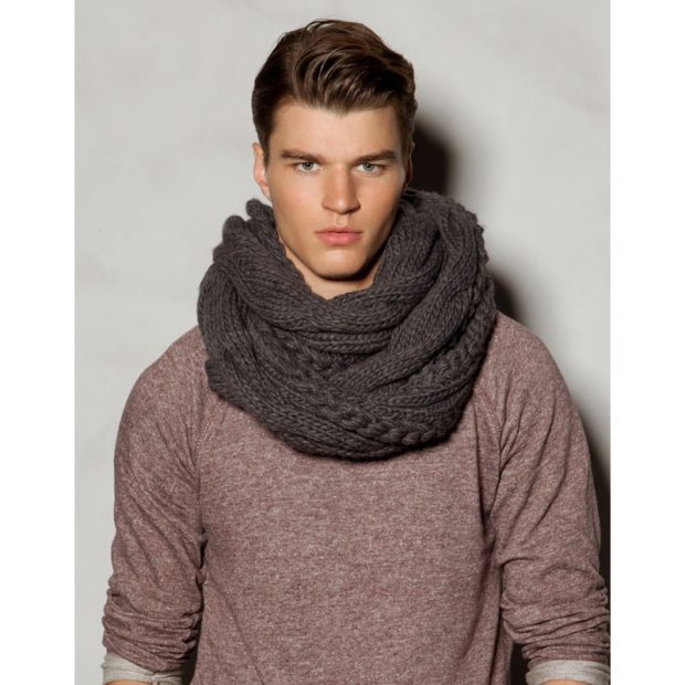 тенденции мужской моды осень-зима: шарф снуд серый