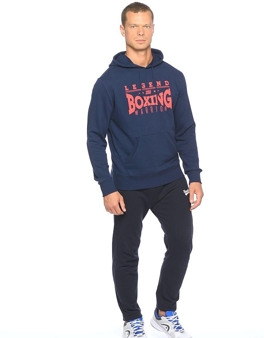 тенденции мужской моды осень зима: толстовка синяя с надписью