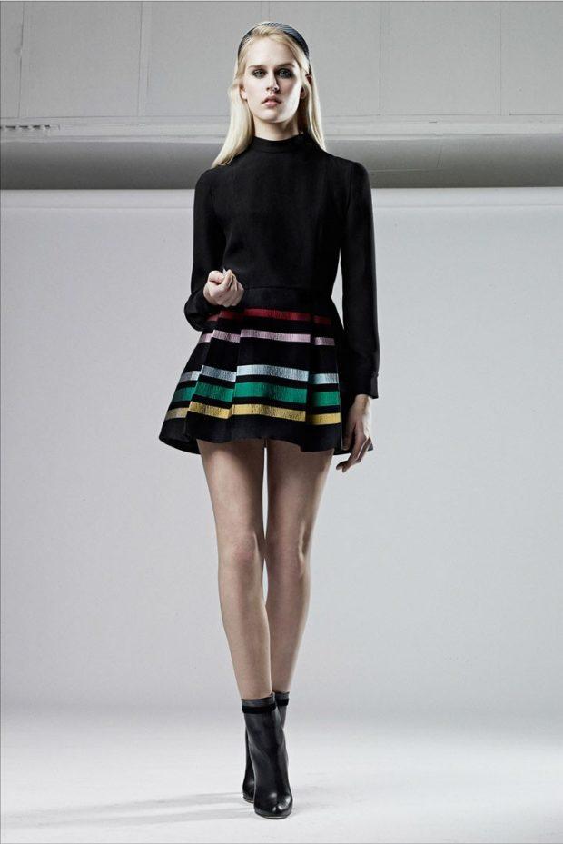 юбки: короткая черная в полоску
