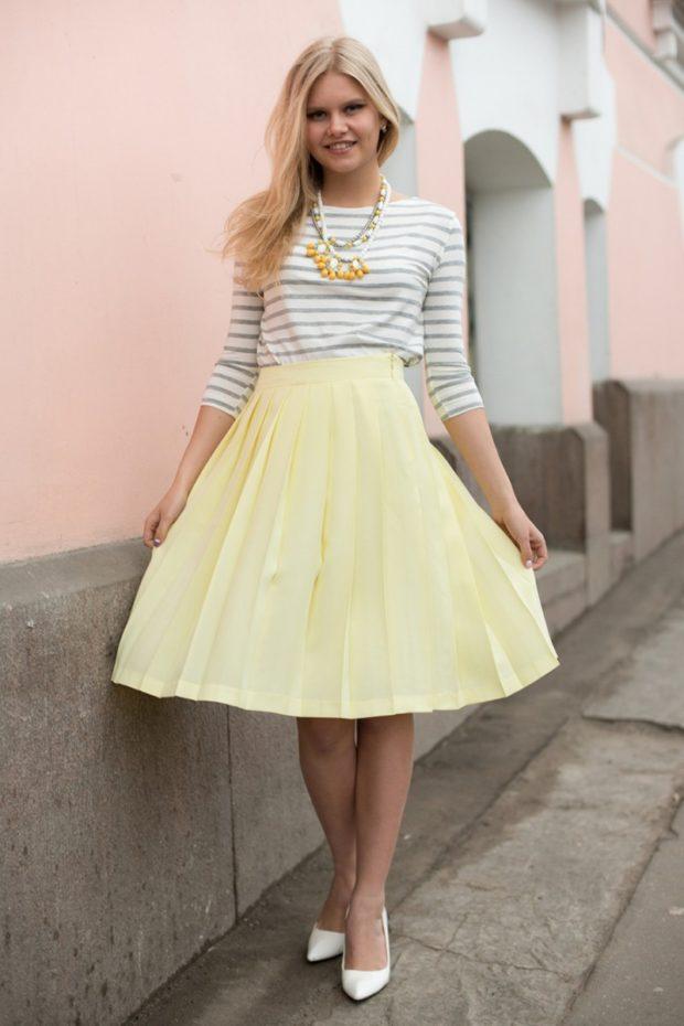 красивые юбки: солнце желтая по колено