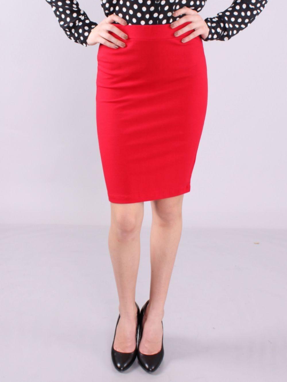 красная юбка карандаш по колено