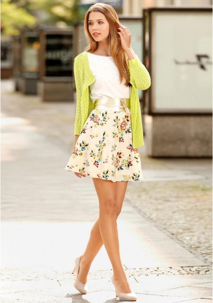юбка короткая в цветы светлая
