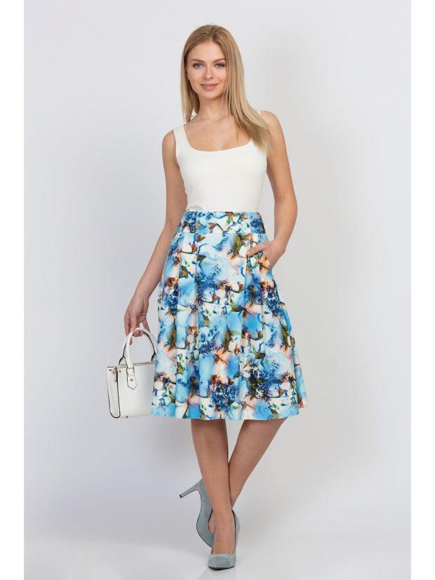 юбка в цветы голубая а-силуэт