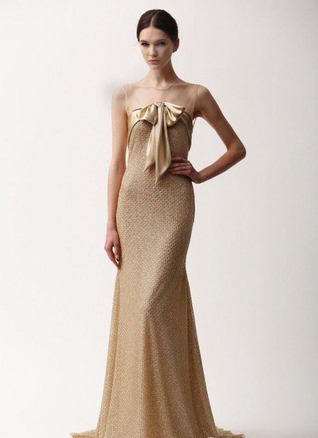 длинные вечерние платья в пол: нежно золотое с бантом