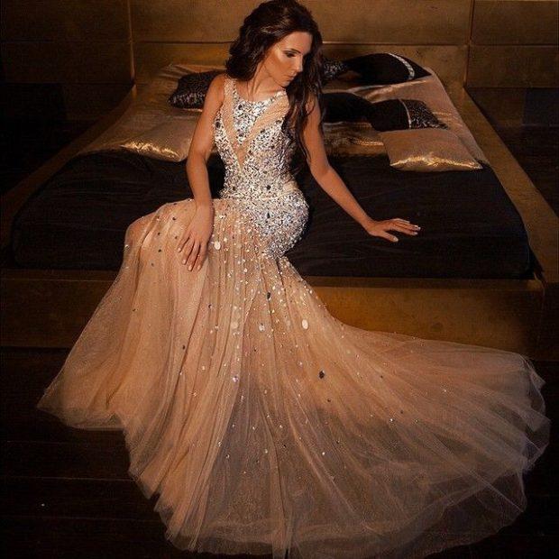 длинные вечерние платья в пол: серебристый верх в камни юбка пышная шифоновая