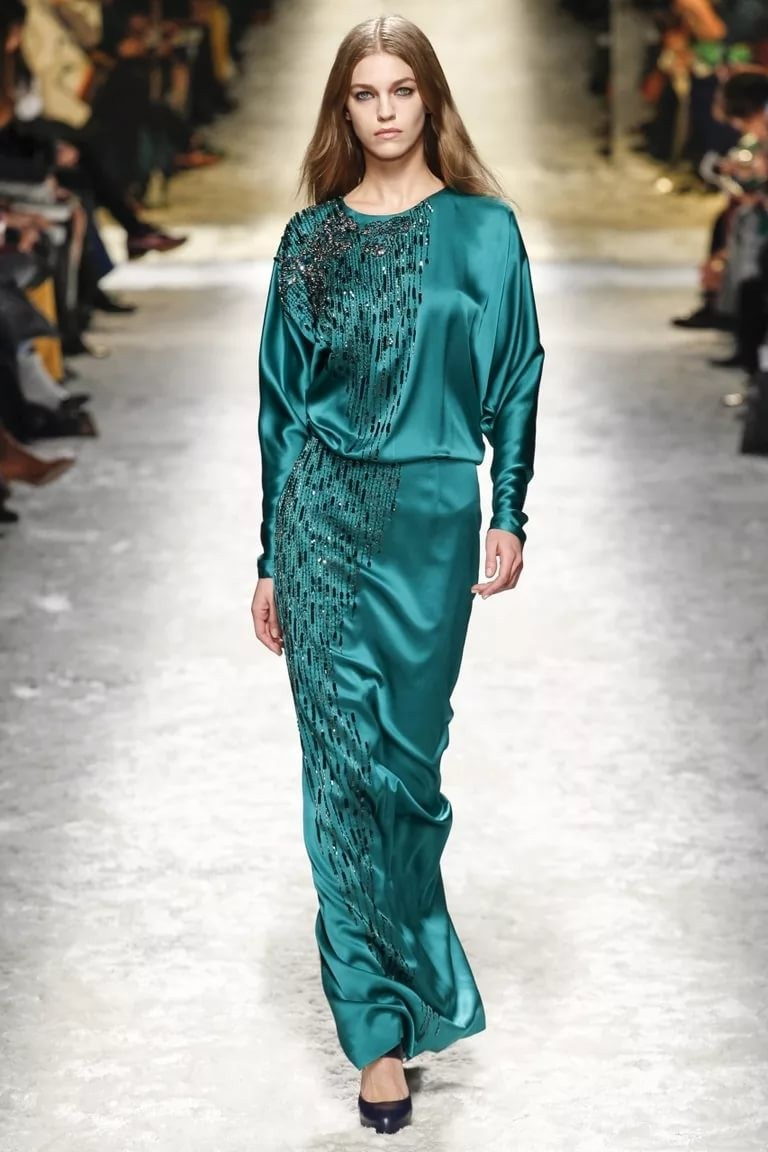 платье вечернее в пол зеленое атласное