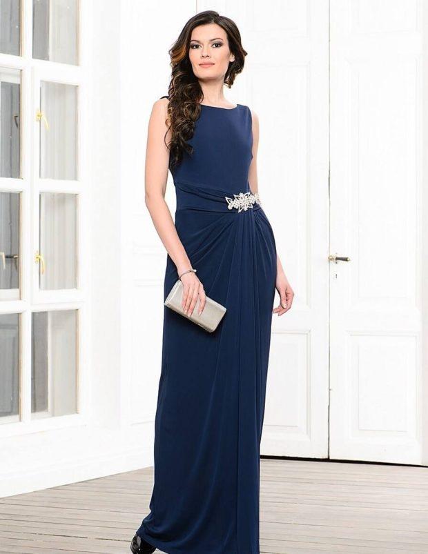 платье вечернее в пол синее с поясом без рукава