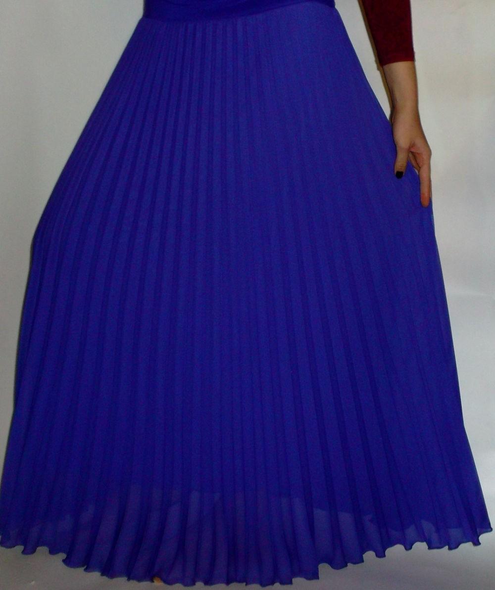 C чем носить юбку плиссе: теплая синяя шифон