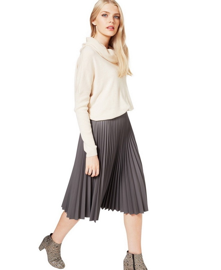 с чем носить плиссированную юбку 2018-2019: серая под ботильоны