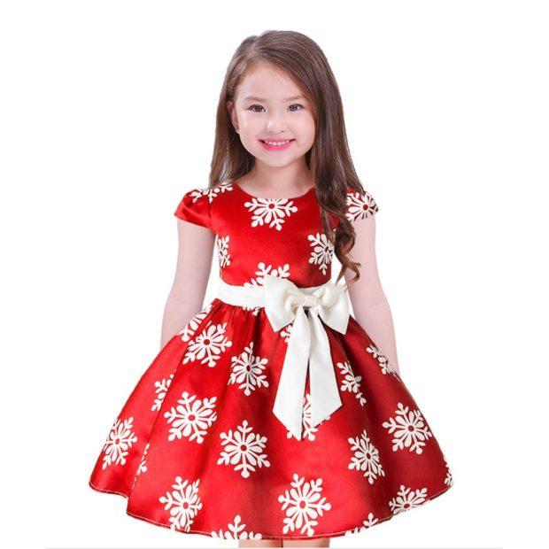 платье пышная юбка красное с поясом в снежинки