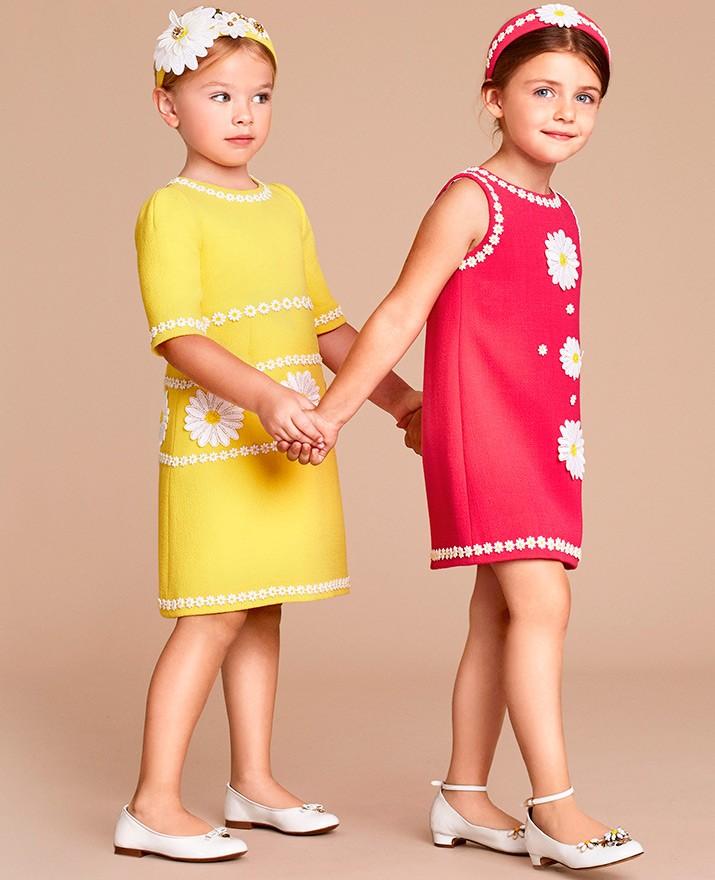 платье желтое по колено с ромашками рукав короткий розовый сарафан с ромашками