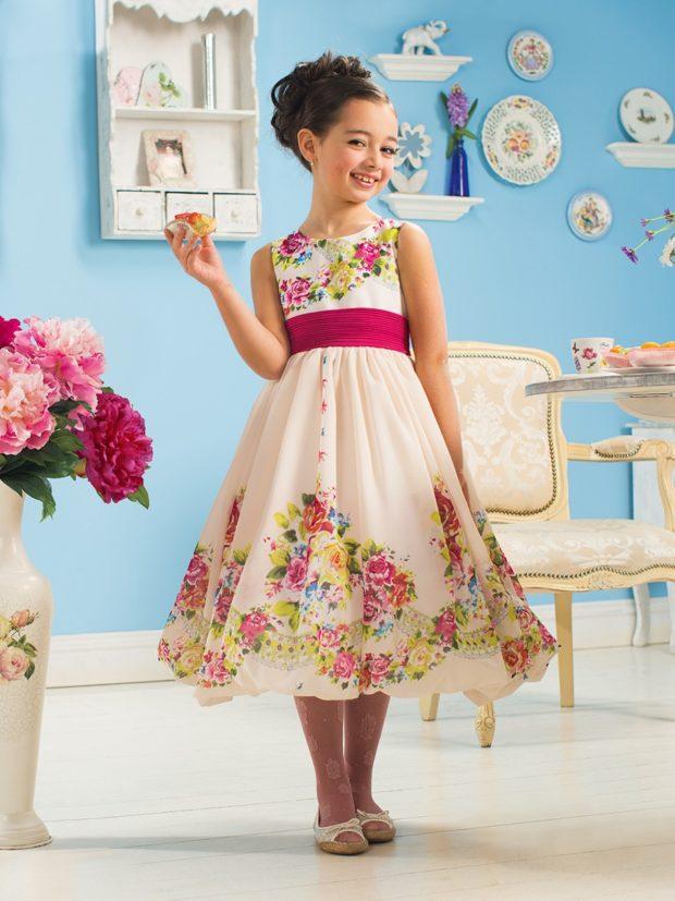 приталенное платье миди в цветы