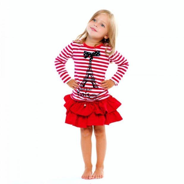 короткая красная юбка воланы