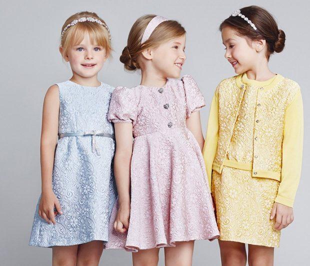 платья а-силуэт голубое розовое желтое ткань в вензеля с жакетиком