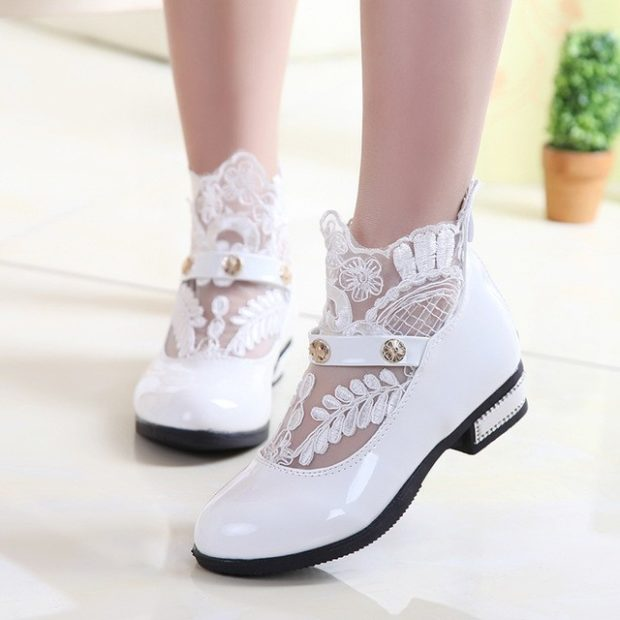 летние туфельки белые с ажурной вставкой