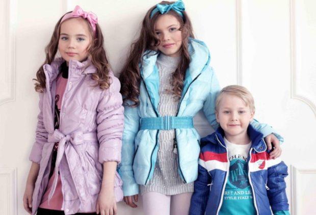 легкие курточки розовая голубая для девочек для мальчика синяя в полоску белую и красную